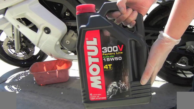 Best Motorcycle Oil Reviews