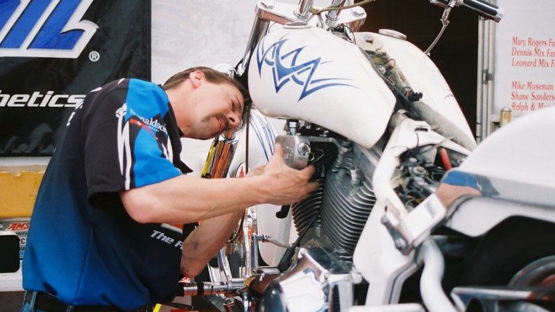 How-to-Become-a-Motorcycle-Mechanic