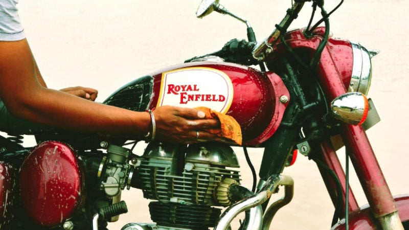 How to clean a motorcycle gas tank