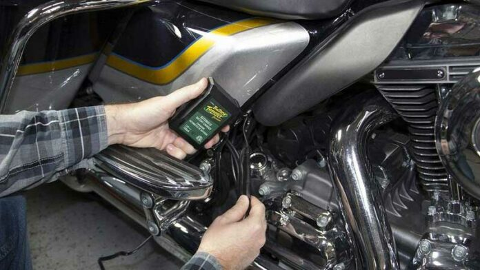 The Best Battery Tender / Trickle Charger for Motorcycles