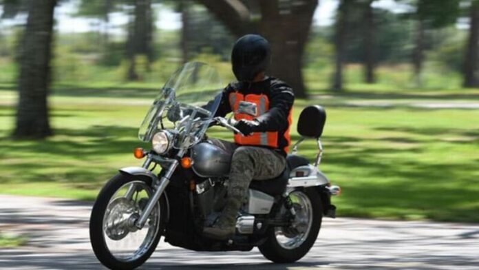 Top 10 Best Motorcycle Pants For Riding – Reviews 2021