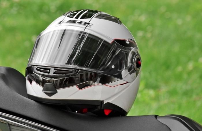 Motorcycle-Helmet-law