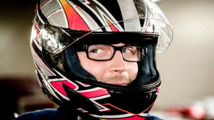 How to Wear Glasses with Motorcycle Helmet?