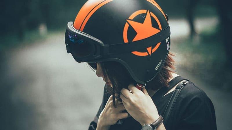 Best Women's Motorcycle Helmets Reviews