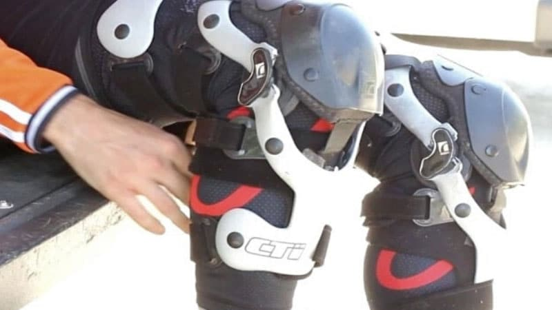 Best Motocross Knee Brace Reviews