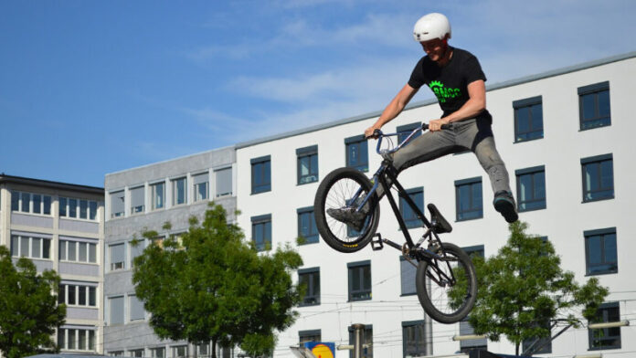 Best BMX Helmet 2021 For Safety: Full Face, Youth & Flatland/Freestyle