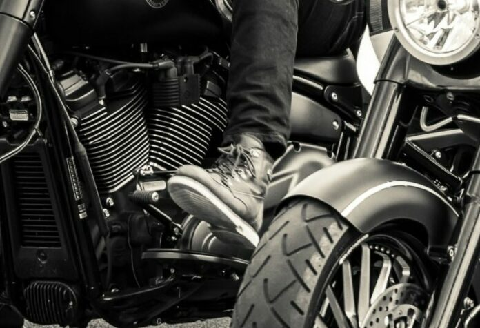 The Best Cruiser Motorcycle Boots: Reviews for Men and Women