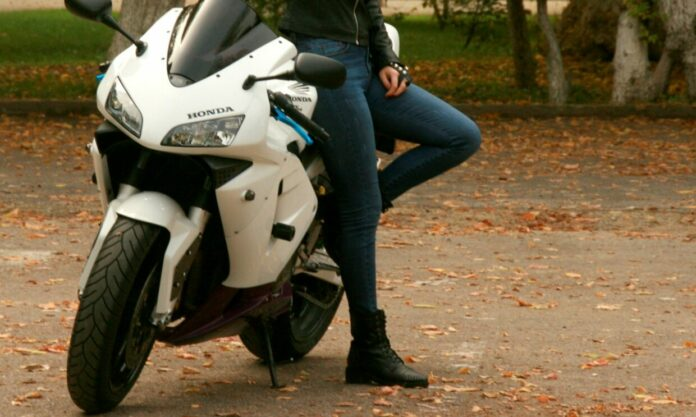 The Best Women's Motorcycle Boots   Comfortable Riding Footwear