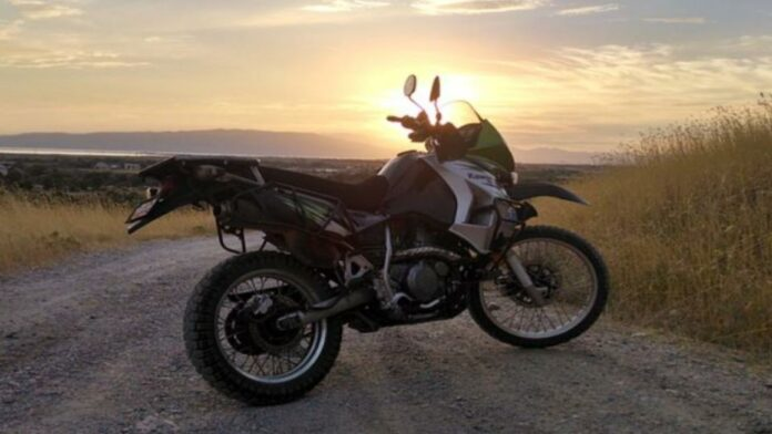 Dual Sport Vs Supermoto – Which One Should You Buy?