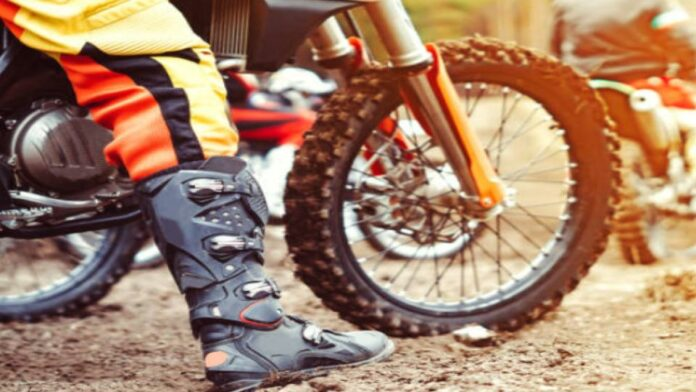 The Best Dirt Bike Boots for Trail Riding – Top Picks for 2021
