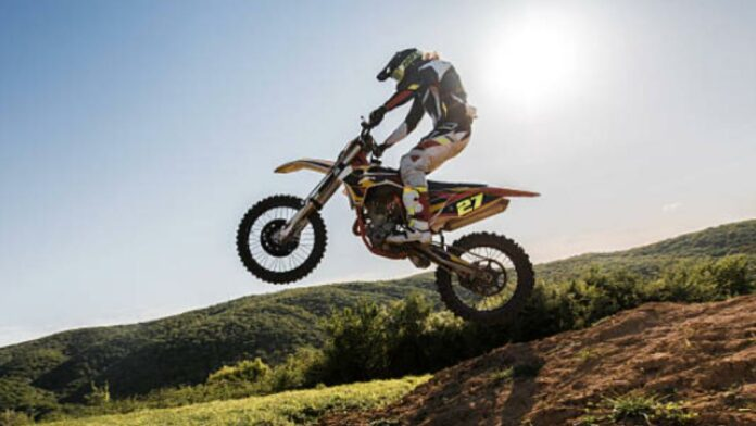 The Best of the Cheapest Dirt Bikes (And Buying Guide)